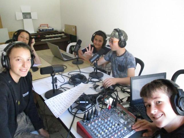 Jur'Ado la web radio de l'Accueil Jeune