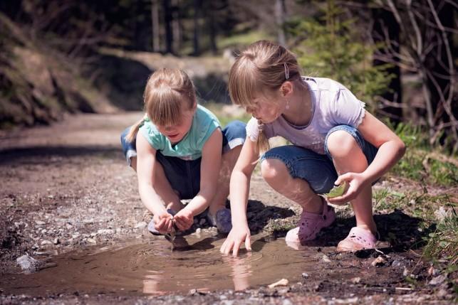 Éduquer et enseigner dehors avec les enfants